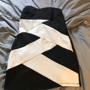 Body con strapless dress